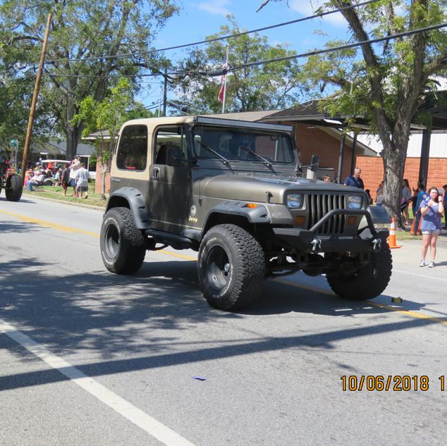 228 Jeep Gray.JPG