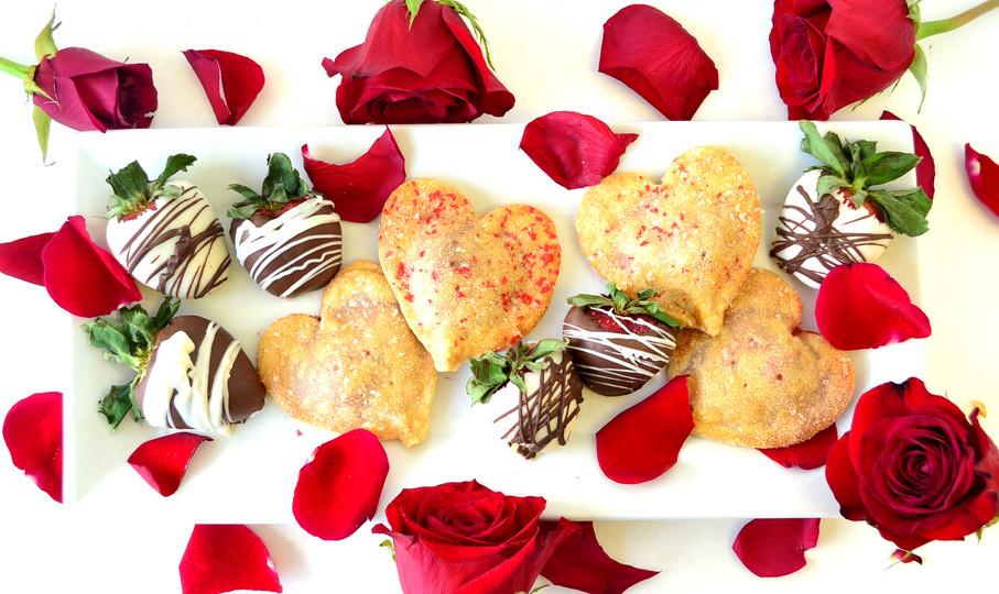 valentines-pie-pops-and-strawberries.jpg