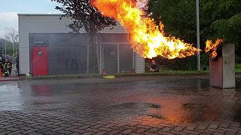 Bekämpfung von Gasbränden