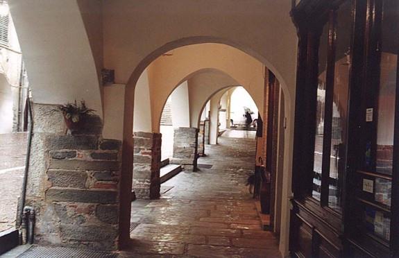 1996-2000 recupero portici via Marenco C
