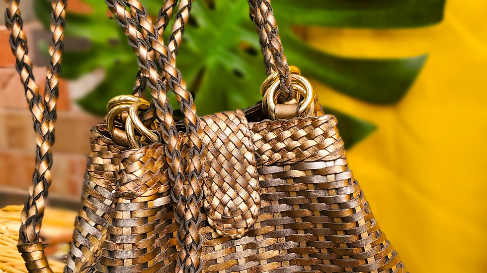 Bomba woven purse
