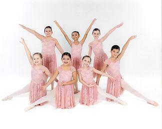 Ballet%25202%25201_edited_edited.jpg