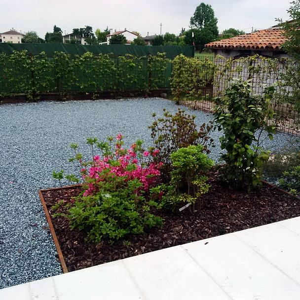 Progettazione e realizzazione giardini design italiano for Aiuole sempreverdi