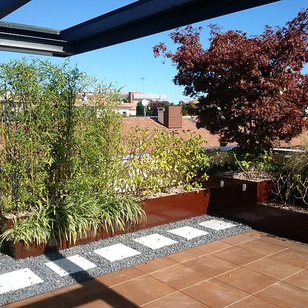 Great attico with giardini design for Ambienti esterni giardini