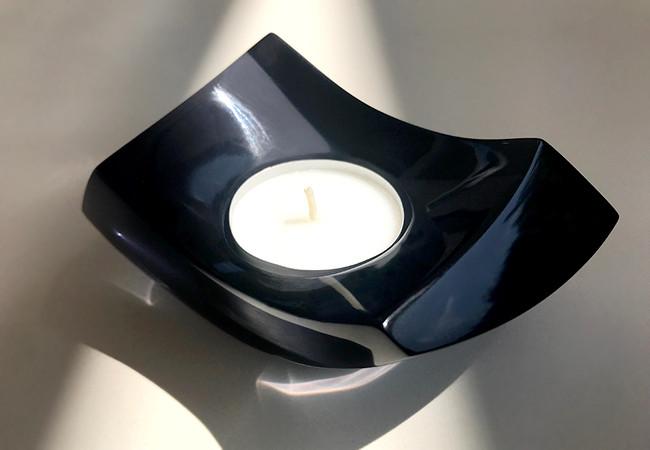 navy resin candle 3.jpg