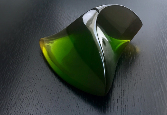 olive green paperweight 3.jpg