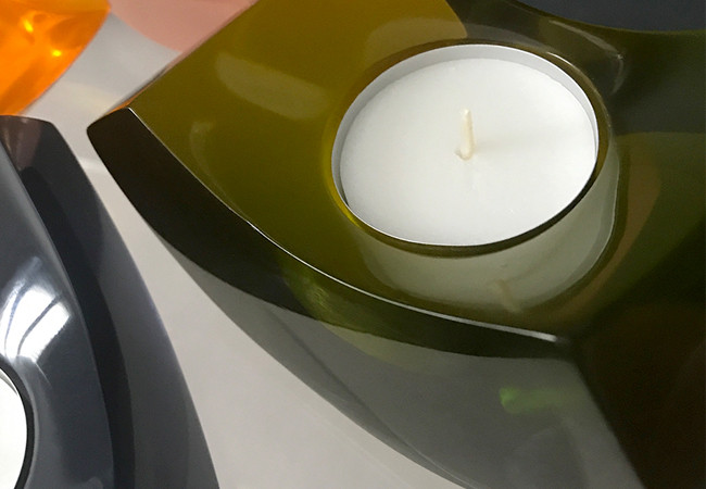 olive green resin candle 2.jpg