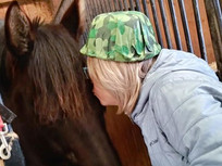 kissing_hailey.jpg