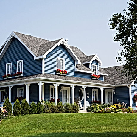 Big Blue Lakehouse On Hill