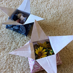 Making origami star boxes