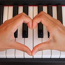 m_piano love 800px.jpeg 2015-4-27-14:11: