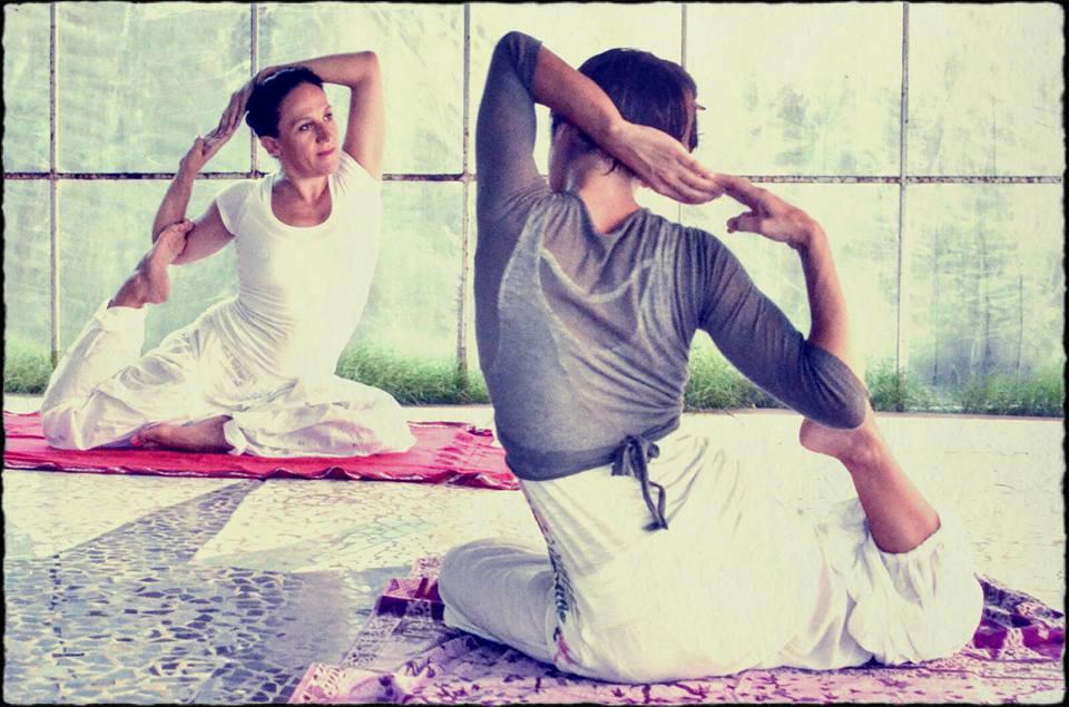 maya e jyoti yoga