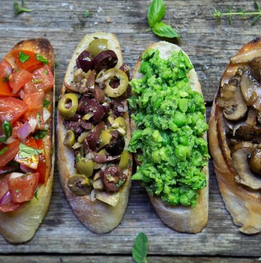 Vegan-Bruschetta-Toppings-Done-Four-Ways