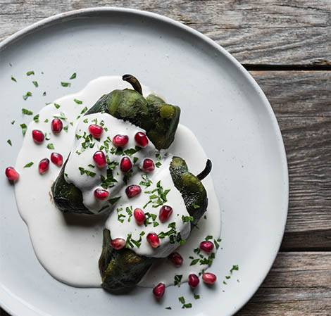 Prepara un delicioso chile en nogada saludable bajo en calorías