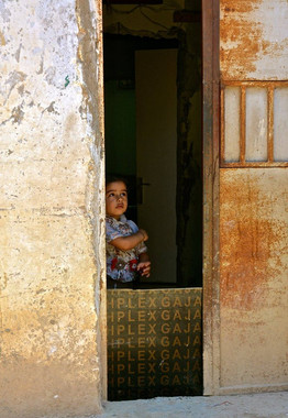 Refugee girl in shanty town in Northern Lebanon. Steve Addison photo