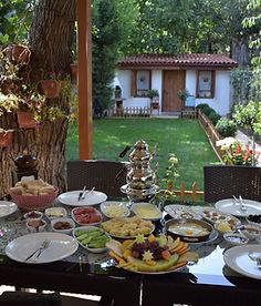 Safranbolu'da Serpme Kahvaltı