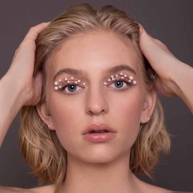 Photo & Make-Up Anna Limacher