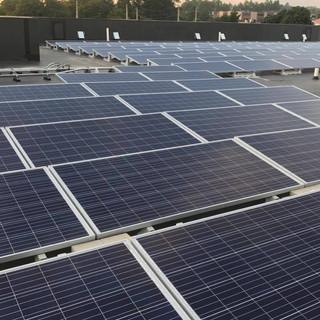 Solar Panels on Roof at Wyndham Newport Hotel