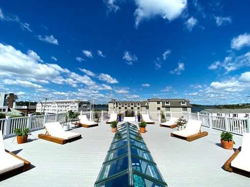Rooftop Sundeck