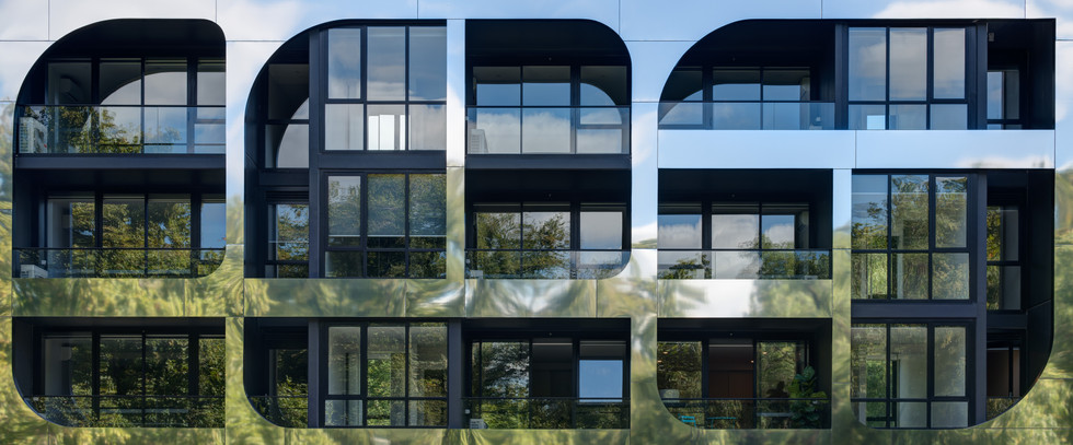 REFLECTIONS - Plus Architecture
