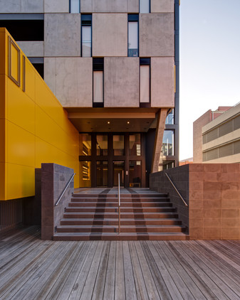 RIVIERE APARTMENTS - Bruce Henderson Architects