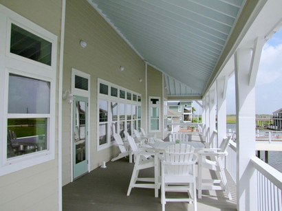 Covered patio deck