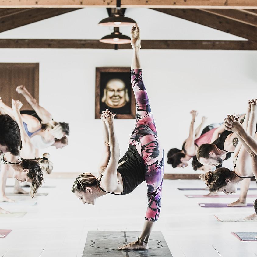 Workshop Rocket Yoga con Ambra Vallo