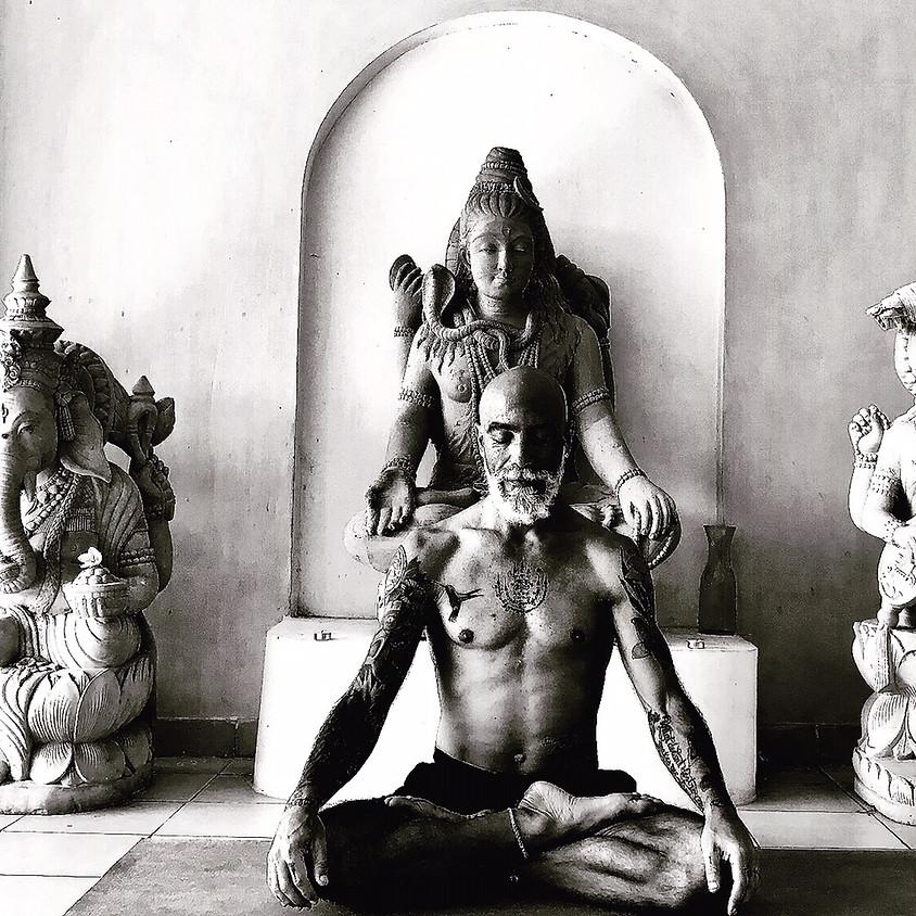Lezione di Yin Yoga con Alberto Salis