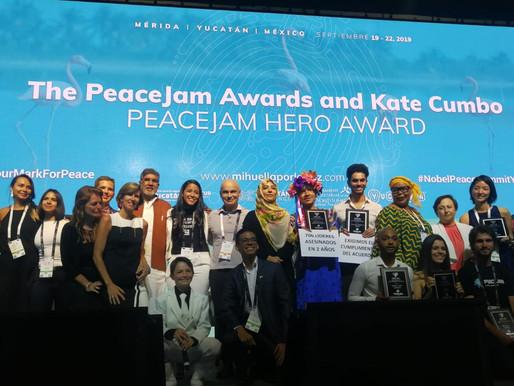 Nobel Peace Laureate honours youth at PeaceJam Hero Awards