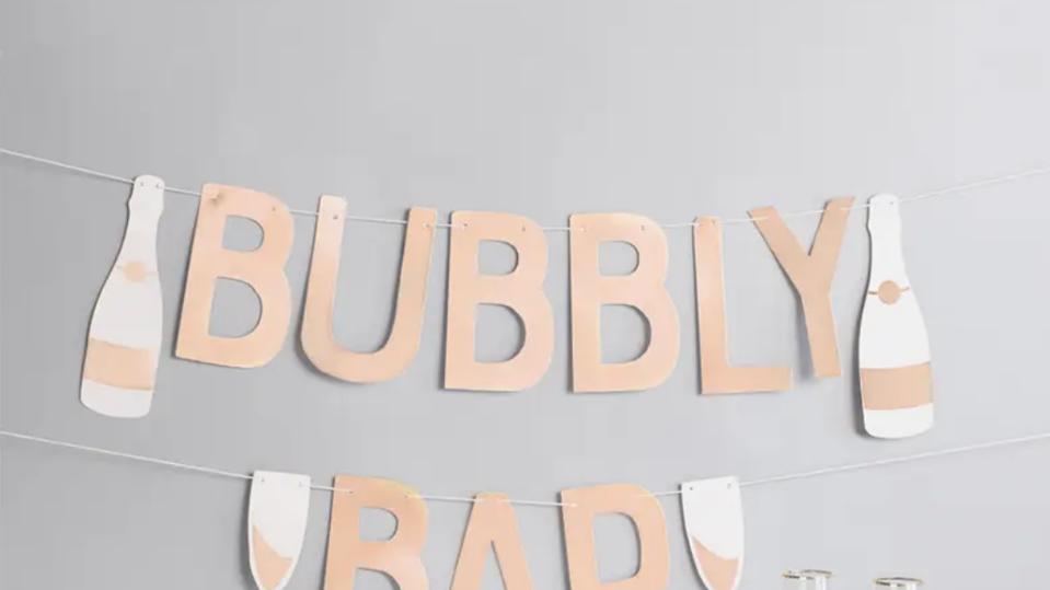 Bubbly Bar Garland
