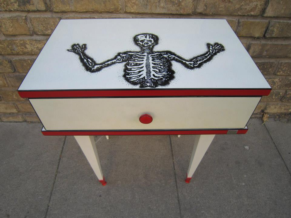 Table de chevet Skull