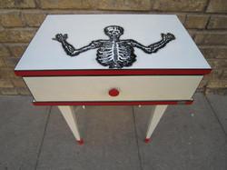 Table de chevet Skull