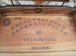 Coiffeuse Ouija