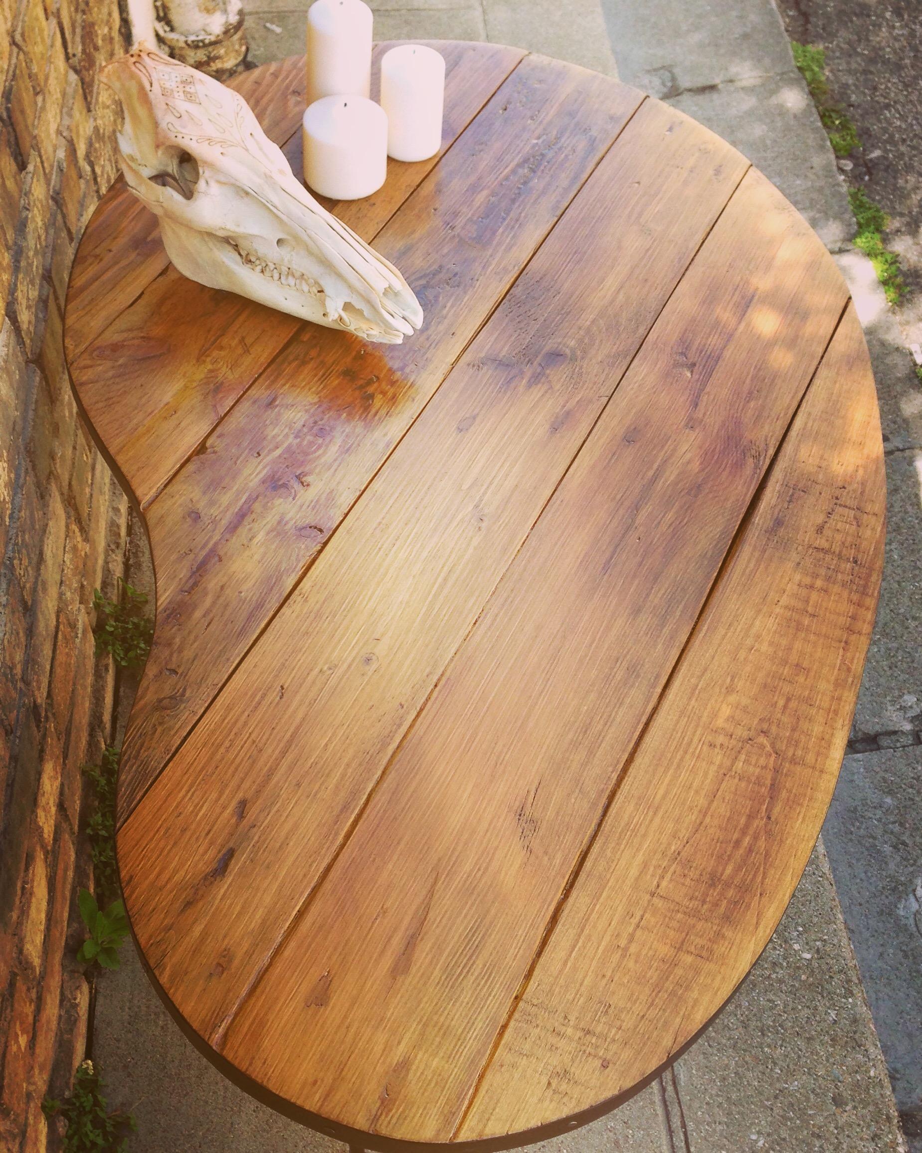 Grande table basse forme Haricot