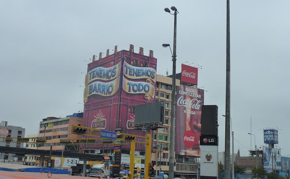 Lima Per building advertising