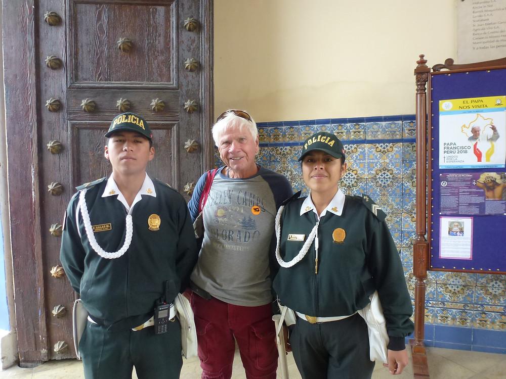 Tom and two police in Trujillo Peru