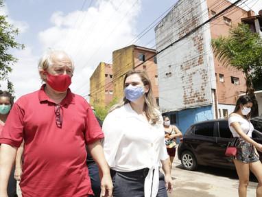 Marília e Jairo Britto visitam Habitacional do Cordeiro e reforçam investimento em moradia popular
