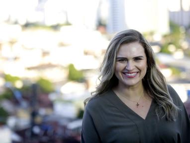 Marília Arraes se fortalece para enfrentar João Campos
