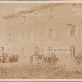 Bologna countryside, Villa Brizzi, aprile 1899. Albumen rpint on cardboard cm. 25x17. Unknown photographer