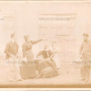 Bologna countryside, Tableaux Vivant, untitled, undated but presumibly 1897. Albumen print on cardboard cm. 25x17. Unknown photographer.