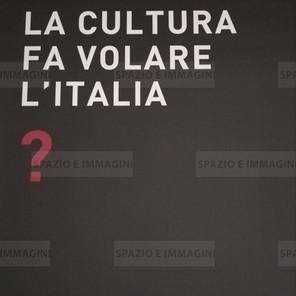 Alfredo Jaar, La cultura fa volare l'Italia?, 2008. Manifesto cm. 100x70. Offset print on paper.