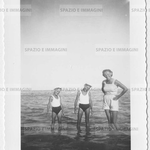 At the sea. Original vintage print 50s, 60s. Gelatin silver print on baryta paper cm. 10x8. Found photo.