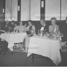 Ruggero Ruggeri's troupe on set, 30s-40s.