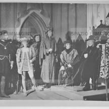 Ruggero Ruggeri and his troupe on set, 1941.