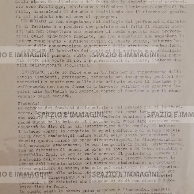 STUDENTI DENUNCIAMO LA PALESE E PROVOCATORIA PROTEZIONE RISERVATA AI FASCISTI (...). Volantino ciclostilato cm. 22x33 a cura del Collettivo Studenti Medi FGCI- Fermi. C.I.P.  via Barberia 4, 9 Marzo, s.l. e s.d. ma Bologna anni '70.