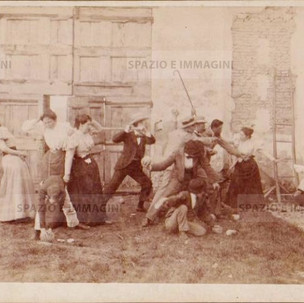 """Bologna coutryside, Tableaux Vivant """"Linciaggio"""", 30 maggio 1897. Albumen print on cardboard cm. 25x17. Unknown photographer."""