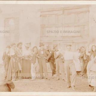 "Bologna countryside, Tableaux Vivant "" Gli Zingari"", 30 maggio 1897. Albumen print on cardboard cm. 25x17. Unknown photographer."