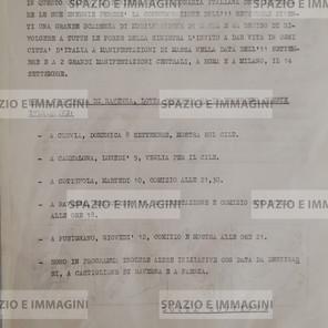 LOTTA CONTINUA PER IL CILE. IN QUESTO QUADRO LA SINISTRA RIVOLUZIONARIA ITALIANA DEVE IMPEGNARE LE SUE ENERGIE PECHE' LA COMMEMORAZIONE DELL'11 SETTEMBRE (...). Volantino ciclostilato illustrato a retro con disegni cm. 22x33 a cura di Lotta Continua. Suppl. al n. 207 di Lotta Continua del 8-9-1974. C.I.P. via G. Rossi 54, Ravenna.