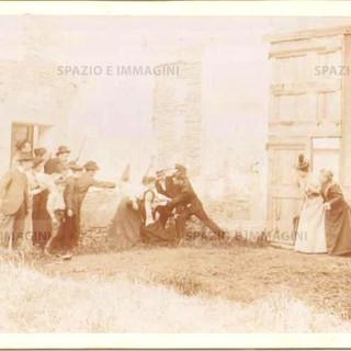 """Bologna countryside, Tableaux Vivant """" La Viltà degli Uomini"""", 16 maggio 1897. Albumen print on cardboard cm. 25x17. Unknown protographer"""