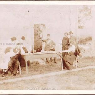 """Bologna countryside, Tableaux Vivant """" Un Arresto"""", 30 maggio 1897. Albumen print on cardboard cm. 25x17. Unknown photographer."""
